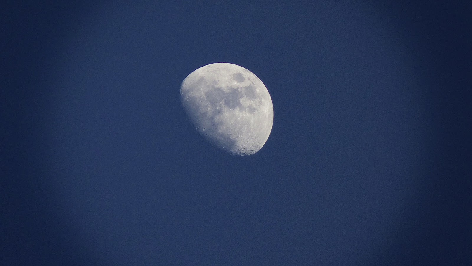Thurs Moon 1.jpg