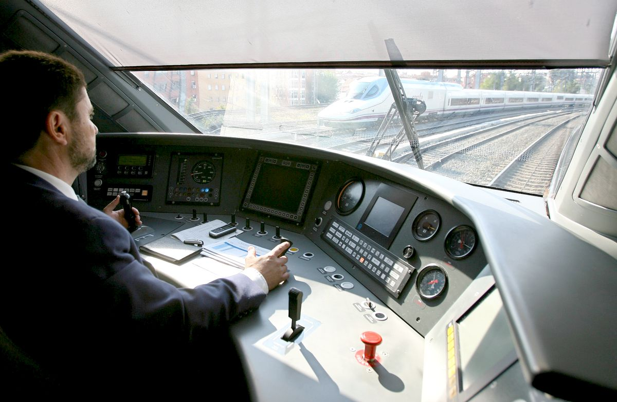 La mejor forma de reservar billetes de tren para el AVE Zaragoza Madrid.jpg