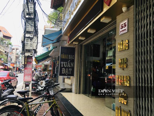 Hà Nội: Mượn mưa to gió lớn, trộm đột nhập lấy 350 cây vàng - Ảnh 1