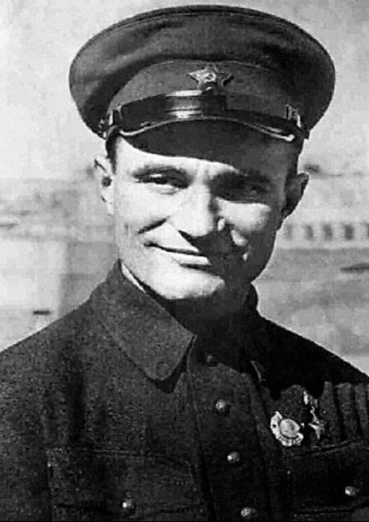 Дмитрий Емлютин