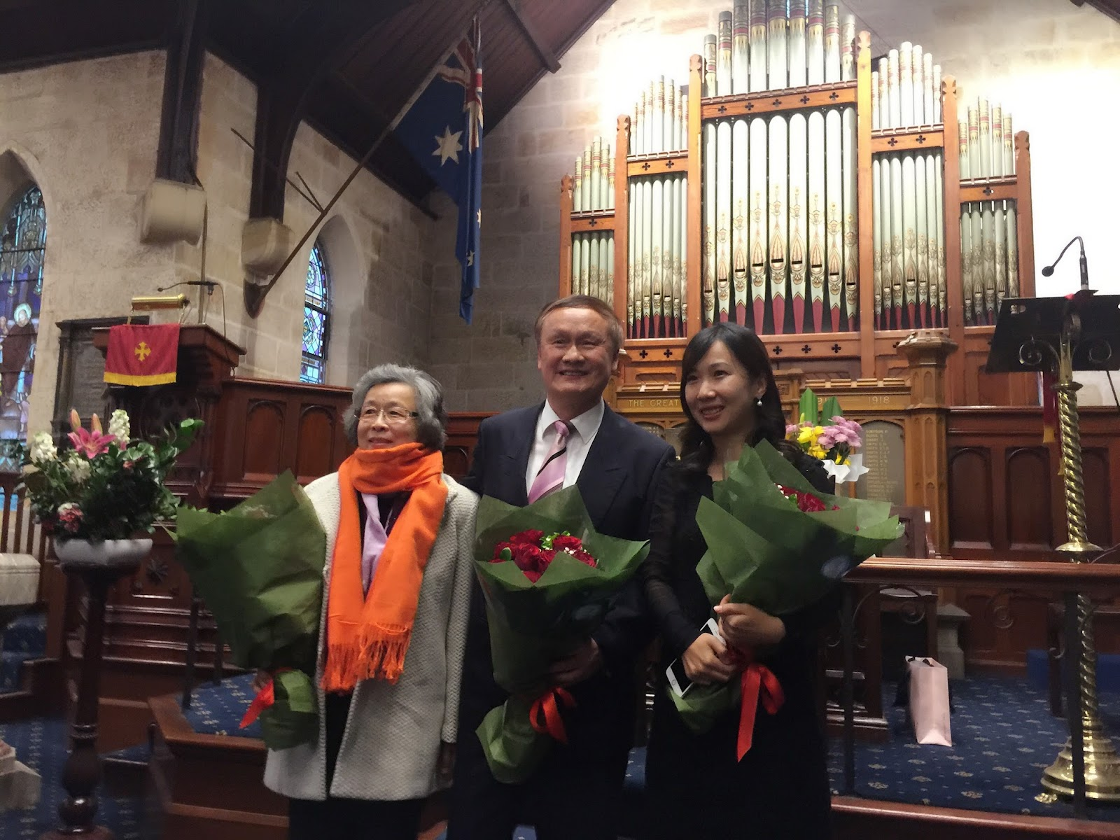 钢琴家雷敬蓉、潘寅林和主持人.jpg