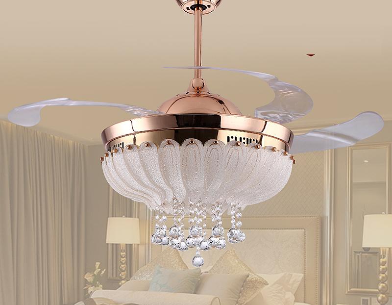 Hãy đến với quattran.vn để được tư vấn các mẫu quạt trần đèn đài loan độc đáo