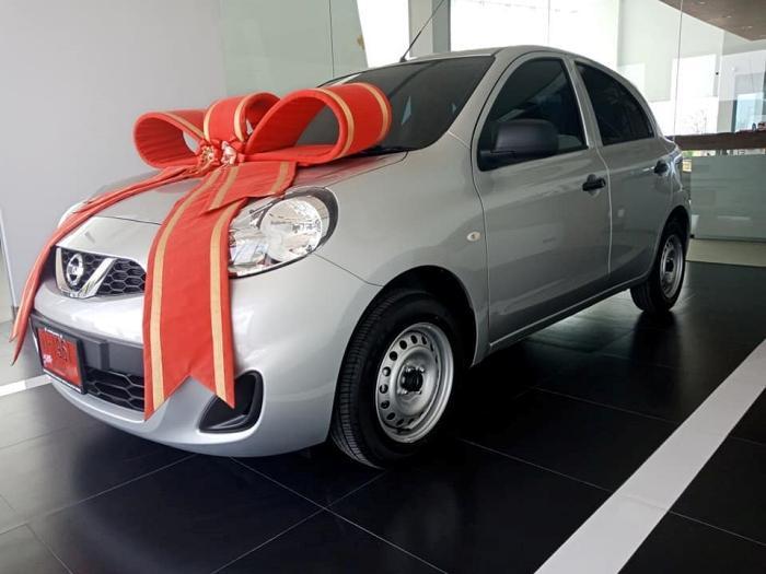 Nissan March 1.2S MT ลดราคาเหลือ 359,000 บาท