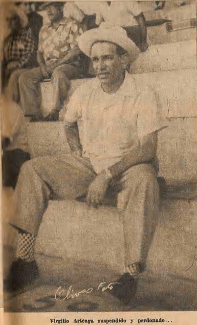 Imagen que contiene antiguo, foto, hombre, persona  Descripción generada automáticamente