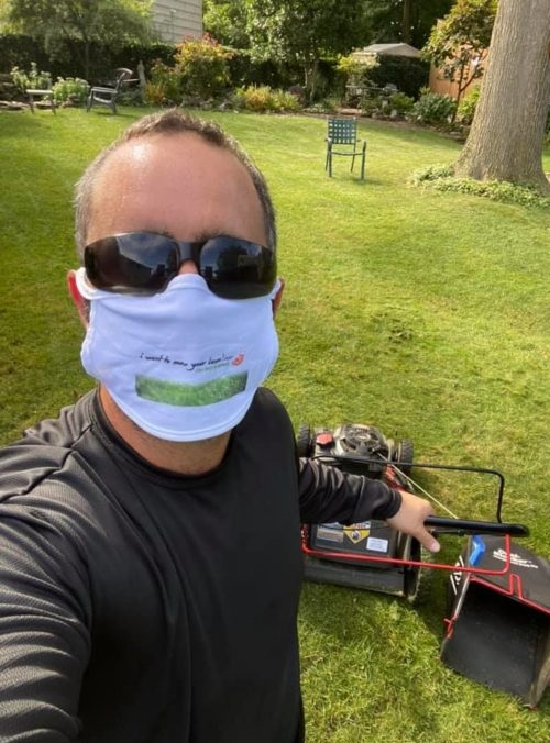He lost his job due to the pandemic and now cuts the lawn for free to grandparents