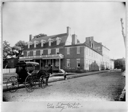 http://www.annapolislodge.com/images/stories/manns_tavern_19th_century.jpg