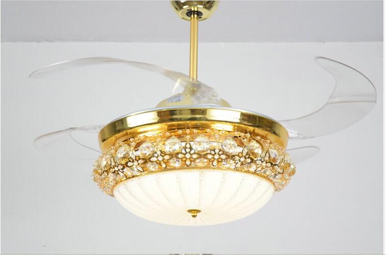 Quạt trần đèn chùm trang trí – Xu hướng trang trí không gian căn phòng hiện đại
