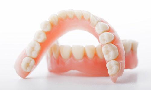 Протезирование зубов в Минске цены
