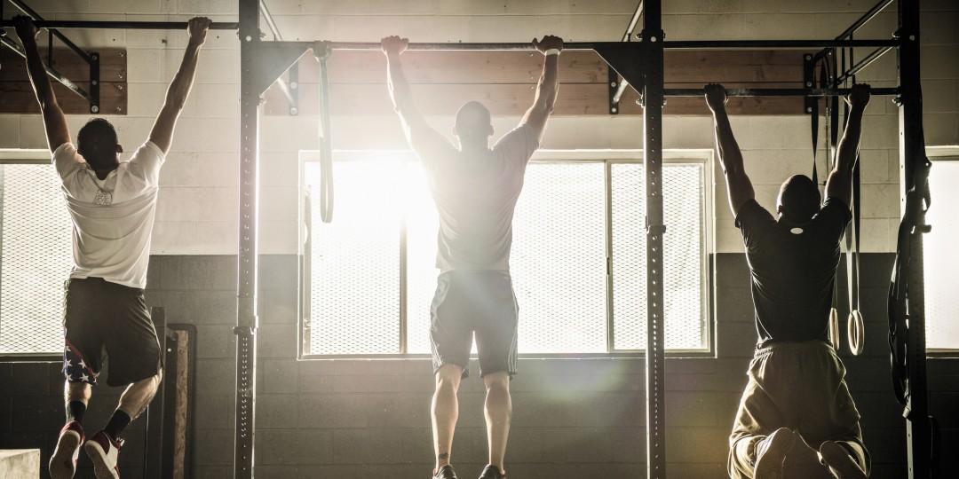 Động tác kết hợp chân và hông giúp cơ hông phát triển toàn diện