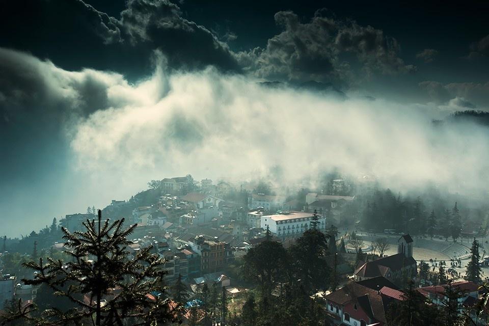 Sapa mùa đông mây phủ
