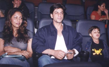 Uncommon & Unseen Photos Of Shah Rukh Khan & Gauri Khan9