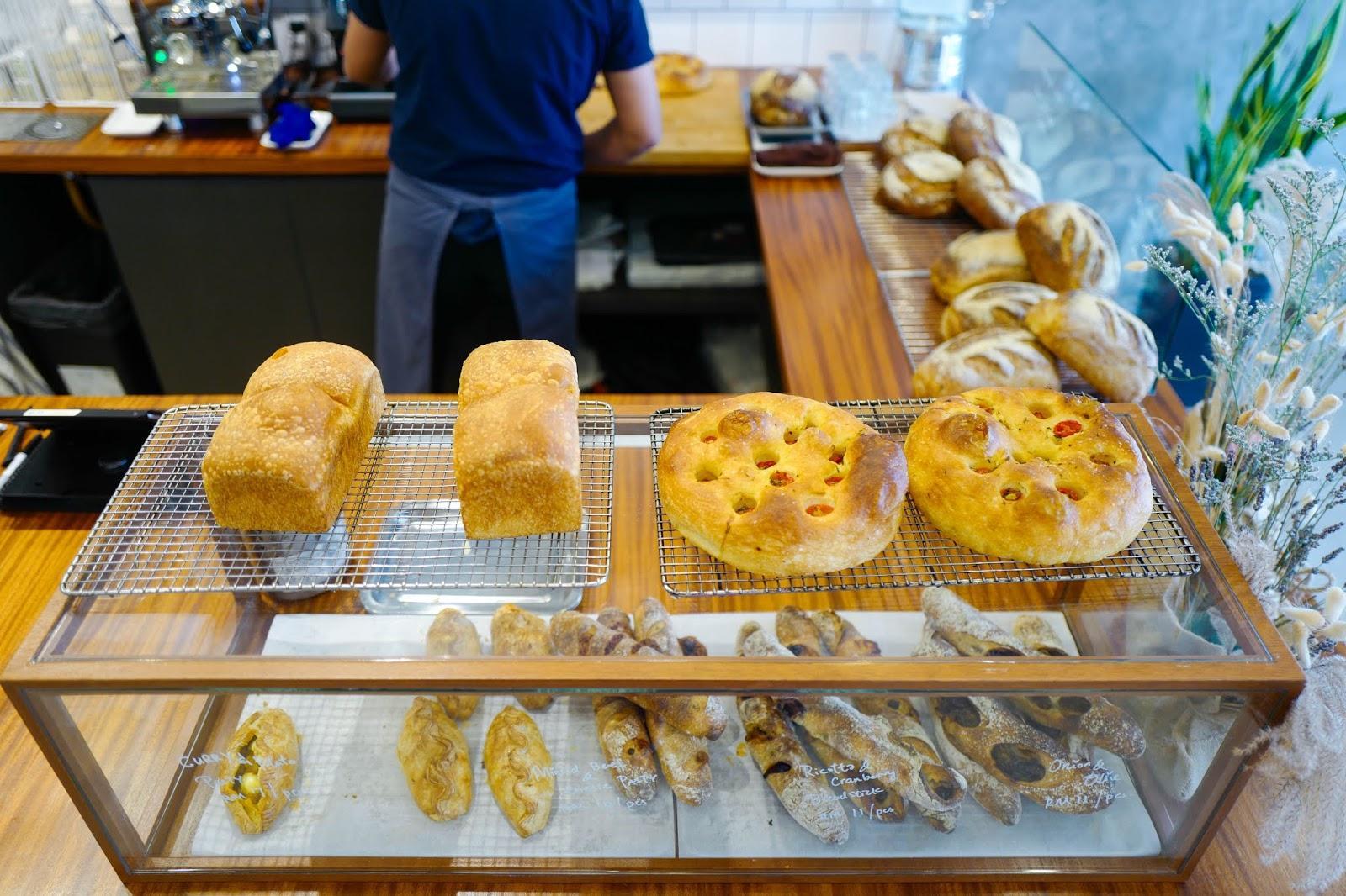 C:\Users\User\Desktop\bakery shop owner.jpg