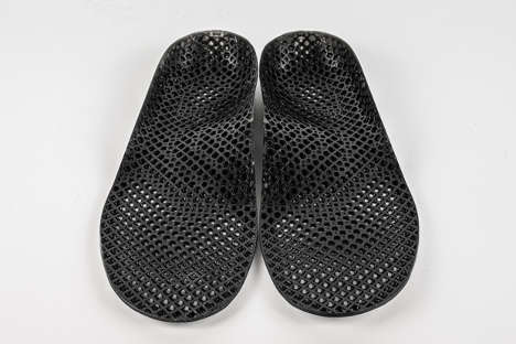 LuxCreo's custom medical insoles printed by Lux 3