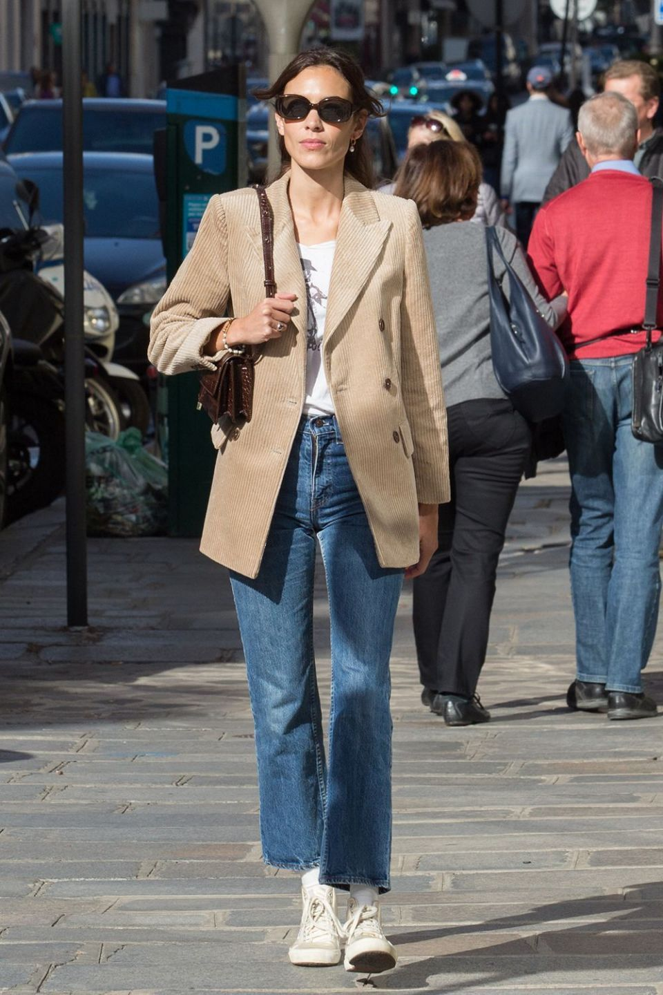 Alexa chung blazer and straight cut jeans outfit