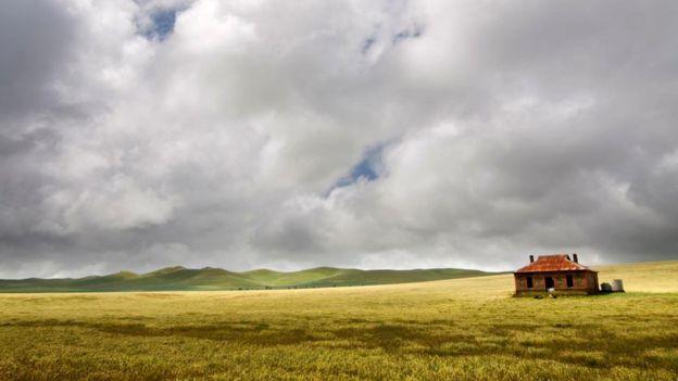 Выжить в сельской местности будет куда легче, чем в каменных джунглях нефункционирующего постапокалиптического города