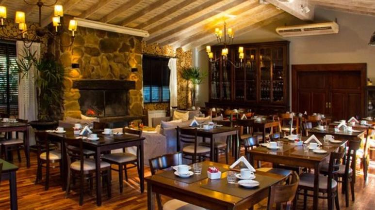 comer en restaurante el mesón purmamarca