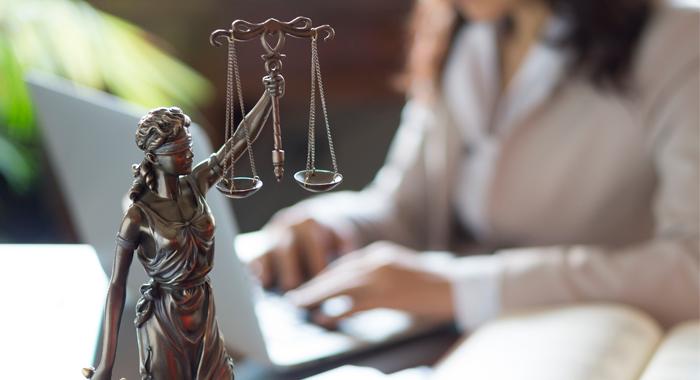 Queiroz Cavalcanti Advocacia • News | Contém 1g pede recuperação judicial