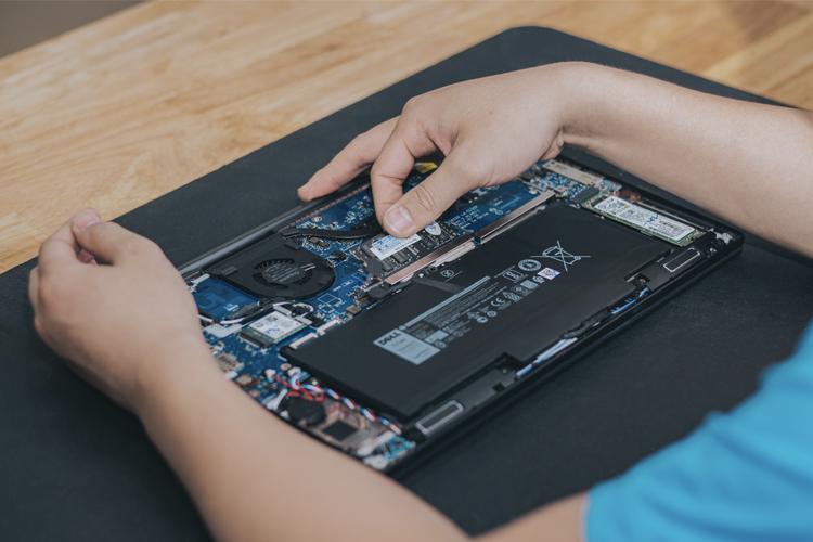 Cận cảnh quá trình nâng cấp RAM